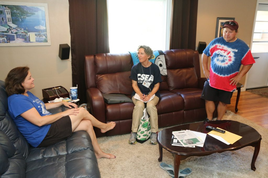 CSEA Court Employees Local 334 member Marie Lawrence welcomed AFSCME International Secretary-Treasurer Elissa McBride and Region 3rd Vice President John Brown into her Endicott home.